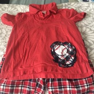 Gymboree Boy Bundle-Shorts And 2 shirts